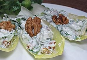 salata de andive cu gorgonzola si nuci