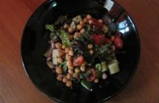 POZA salata kale si naut